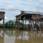 Huisjes langs de rivier