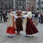 Dansende dames waarmee je op de foto kunt