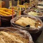 Ingelegde groenten op de markt
